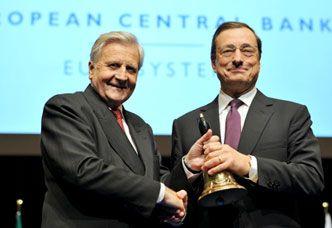 Jean Claude Trichet et Mario Draghi le 19 octobre 2011 à Francfort